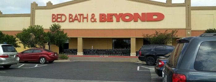 Bed Bath & Beyond is one of Mrs'ın Beğendiği Mekanlar.