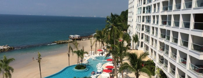 Grand Fiesta Americana Puerto Vallarta All Inclusive is one of สถานที่ที่ Gabriela ถูกใจ.