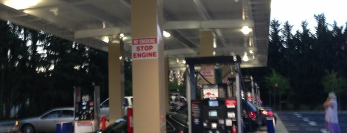 Costco Gasoline is one of สถานที่ที่ James ถูกใจ.