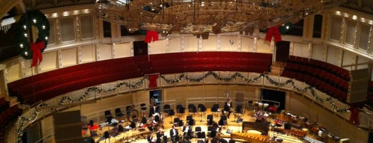 Symphony Center (Chicago Symphony Orchestra) is one of สถานที่ที่ Mark ถูกใจ.