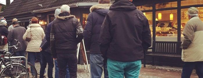 Café Reinhardt is one of Orte, die Jürgen gefallen.