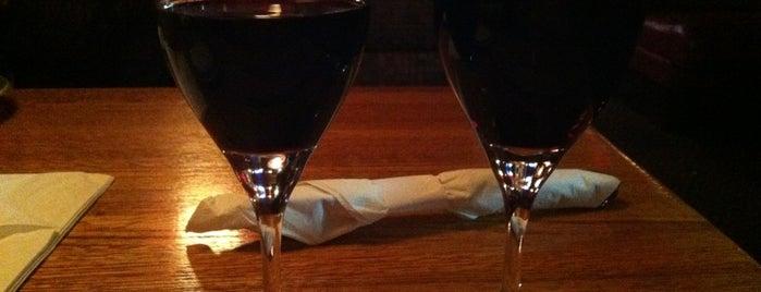 Applebee's Grill + Bar is one of Lieux qui ont plu à J..