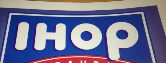 IHOP is one of Lugares favoritos de Larry.