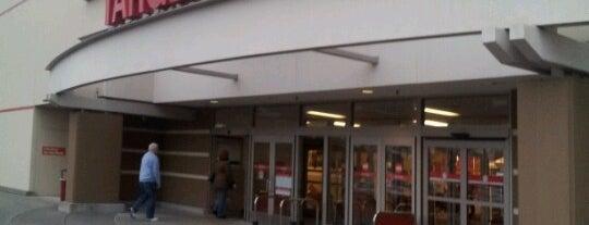 Target is one of Orte, die Ian gefallen.
