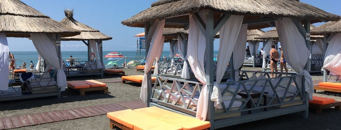 Пляж «Мандарин» is one of Posti che sono piaciuti a Vasiliy.