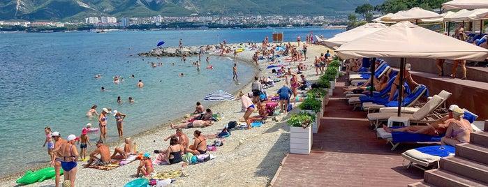Пляж Kempinski Grand Hotel is one of Vasiliy'in Beğendiği Mekanlar.