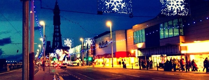 Blackpool Illuminations is one of Carl : понравившиеся места.