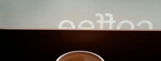 Costa Coffee is one of Locais salvos de mikeangelo.