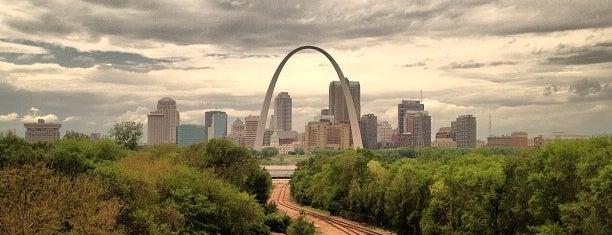 Downtown St. Louis is one of Posti che sono piaciuti a Christian.
