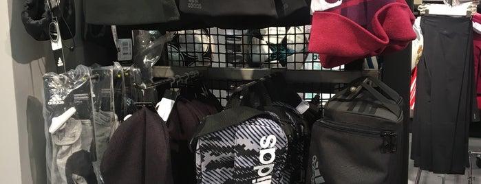 Adidas Originals is one of Posti che sono piaciuti a Adolfo.