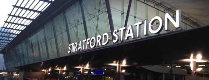 Stratford London Underground and DLR Station is one of Locais curtidos por Paul.