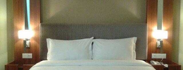Metro Hotel is one of สถานที่ที่ Pagna ถูกใจ.