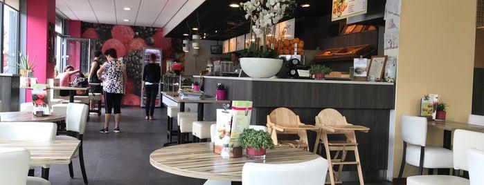 Cafetaria De Heerlijkheid is one of Almere Poort.