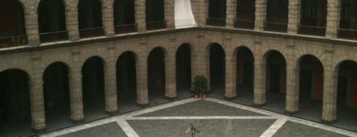 Palacio Nacional is one of D.F..