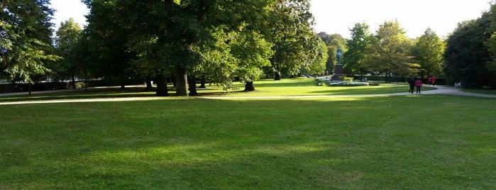 Kieler Schlossgarten is one of สถานที่ที่ Sven ถูกใจ.