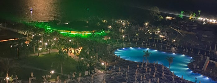 Sea Planet Spa & Resort Hotel Beach Bar is one of Antalya.