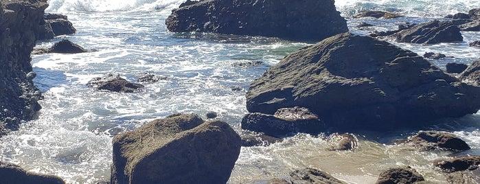 Three Arch Bay Beach is one of California Travel Tips - 님이 좋아한 장소.