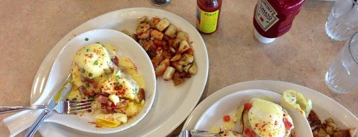 The Egg & I Restaurants is one of Tempat yang Disukai Matt.