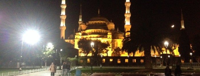 Sultan Ahmet Camii is one of Istanbul Must See.