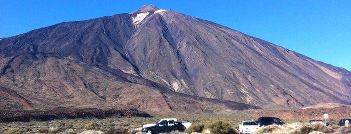 Las Cañadas del Teide is one of Islas Canarias: Tenerife.