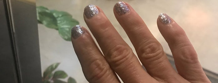 Blooming Nails & Spa is one of Lugares favoritos de Cheapeats.