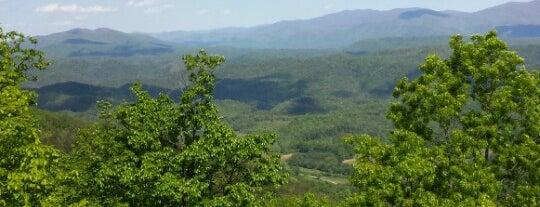 Chilhowee Mountain Retreat is one of Heather 님이 좋아한 장소.