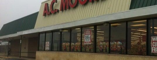 A.C. Moore Arts & Crafts is one of Orte, die Tyler gefallen.