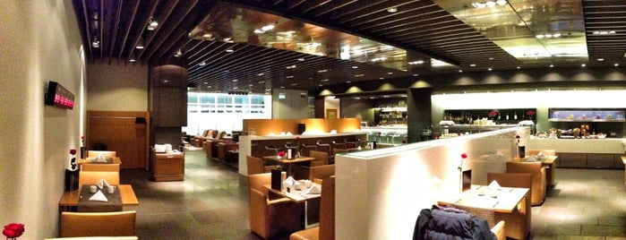 Lufthansa First Class Lounge is one of Lieux qui ont plu à 「 SAL 」.