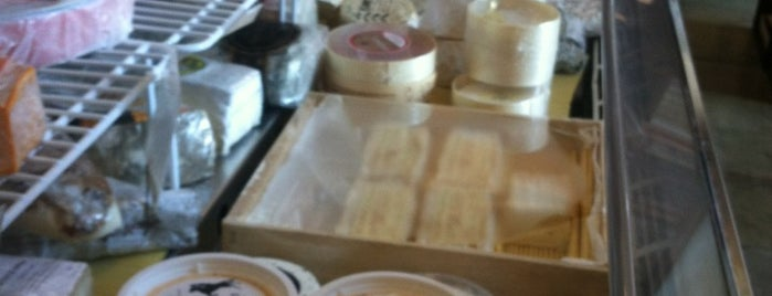 The Cheese Store of Silverlake is one of Lieux sauvegardés par Charles.