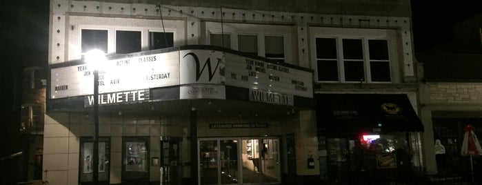 Wilmette Theatre is one of MEREDITHさんのお気に入りスポット.