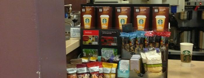 Starbucks is one of Tempat yang Disukai Lorraine-Lori.