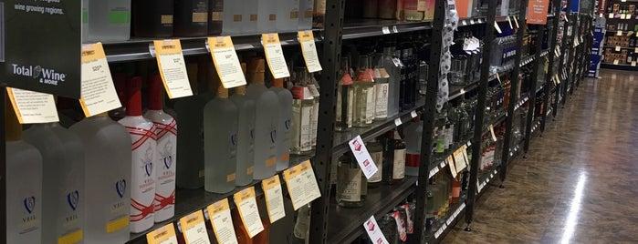 Total Wine & More is one of สถานที่ที่ David ถูกใจ.