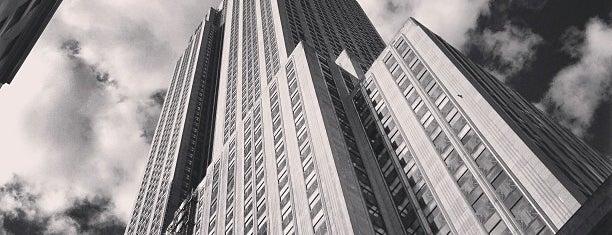 Edificio Empire State is one of Manhattan Favorites.