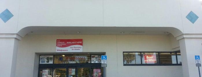 Walgreens is one of Locais curtidos por Jessica.