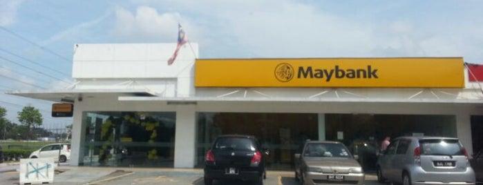 Maybank is one of Farrah : понравившиеся места.