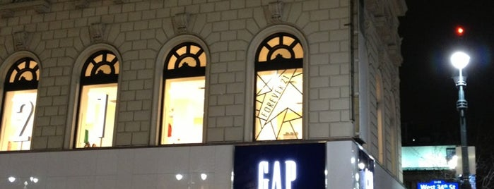 GAP is one of Lugares guardados de Moses.