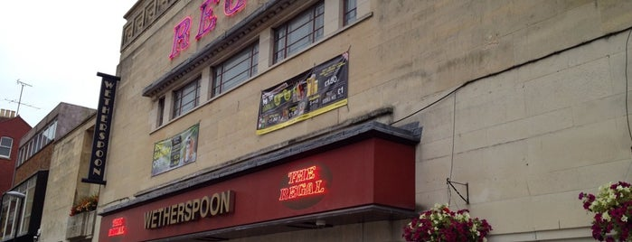 The Regal (Wetherspoon) is one of Carl 님이 좋아한 장소.