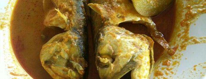 Gerai Makanan & Minuman Hj Jamil Ikan Termenung is one of Posti che sono piaciuti a Rahmat.