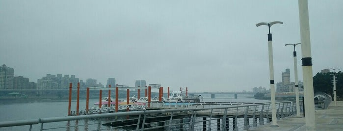 Dadaocheng Wharf is one of Taiwan.