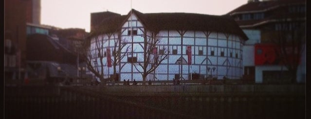 Royal Shakespeare Company is one of London.