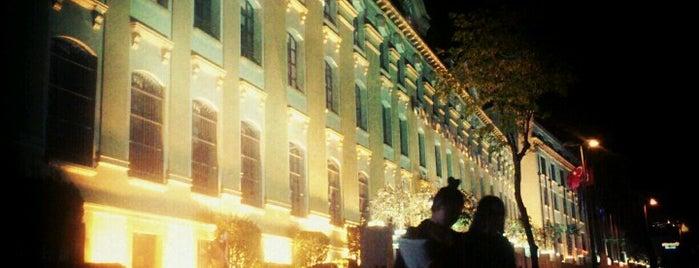Kadir Has Üniversitesi is one of Istanbul.