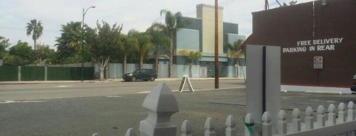 Retro Dairy Mart is one of La La Land locations.