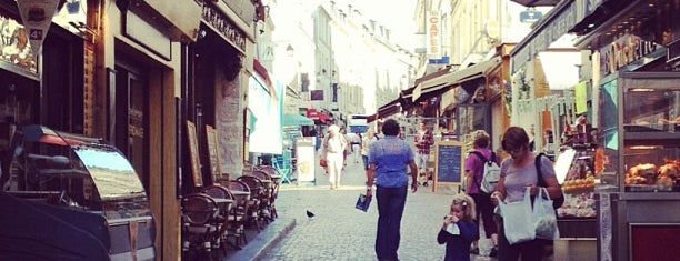 Rue Mouffetard is one of Foodie Places I Loved in Paris.