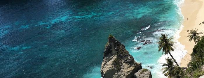 Diamond Beach is one of Bali.