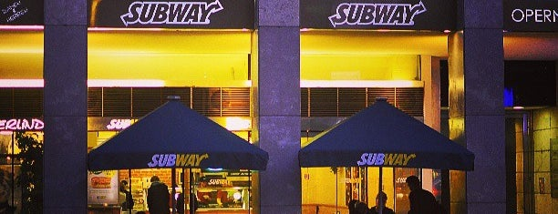 Subway is one of Orte, die Gizem gefallen.