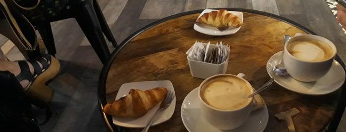 Café del 10 is one of Tempat yang Disimpan Klaus.
