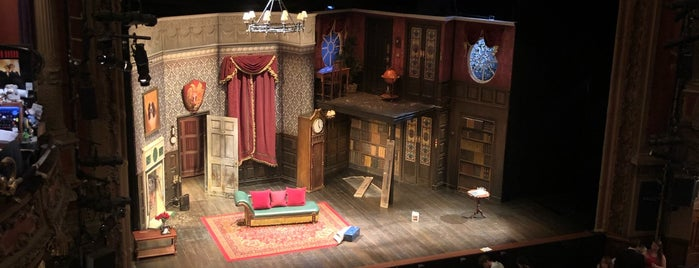 The Play That Goes Wrong is one of David 님이 좋아한 장소.