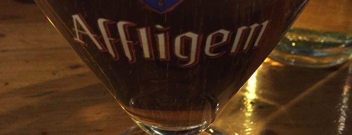 Piper Pub is one of Locais curtidos por Emanuele.