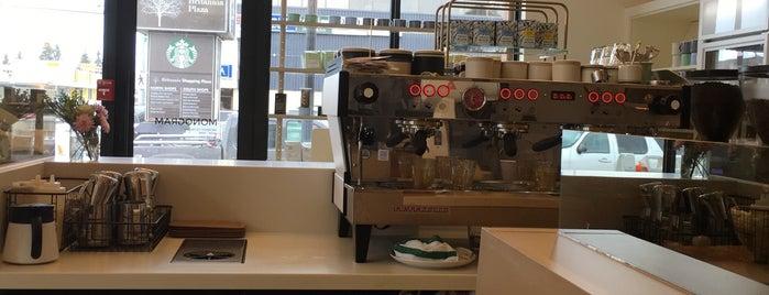 Monogram Coffee is one of Lugares favoritos de Marwan.
