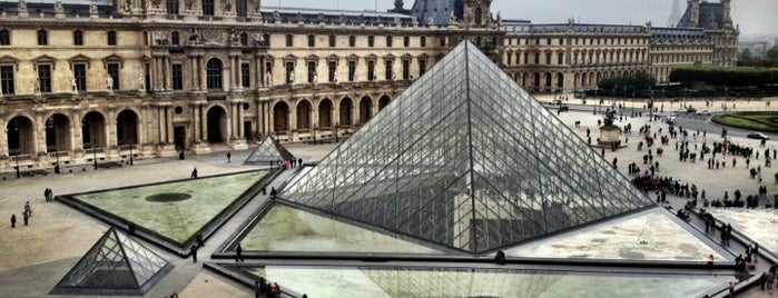 Musée du Louvre is one of Paris: husband's hometown ♥.